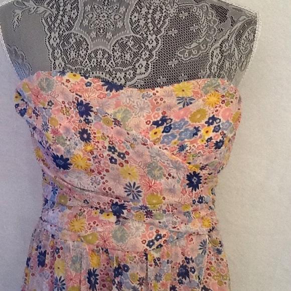 Speechless Dresses & Skirts - Speechless summery strapless dress